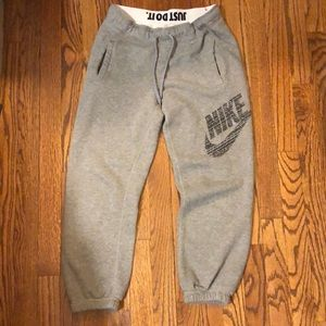 Nike woman's Capri boy sweats XS like new